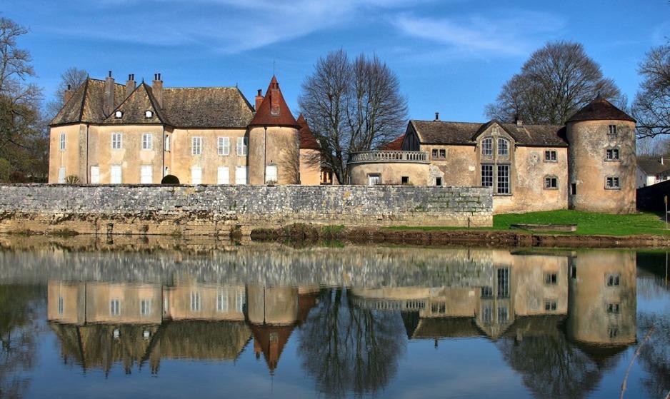 Château d'Ollans -Vue extérieur